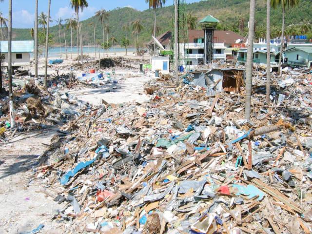 Koh Phi Phi Tsunami Video Tsunami Thailand Koh Phi Phi
