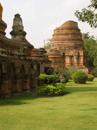 Ancient town of Ayutthaya, a  kingdom of old. A true must-see.