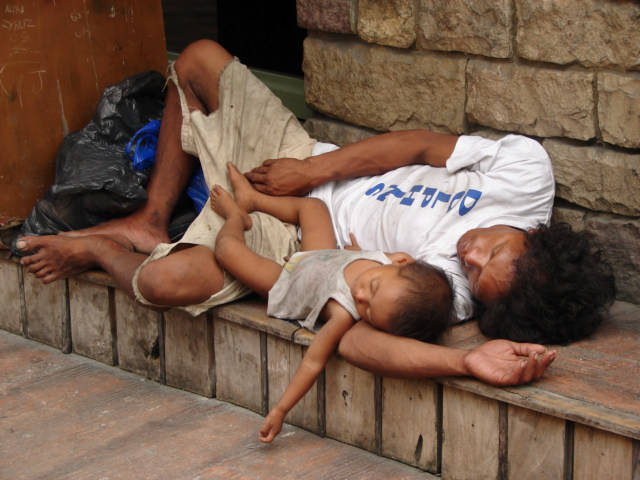 205-10-philippines-street-child