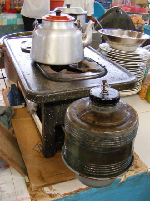 Kerosene and wood peru stoves - Unknown uses for vegetable oil ...