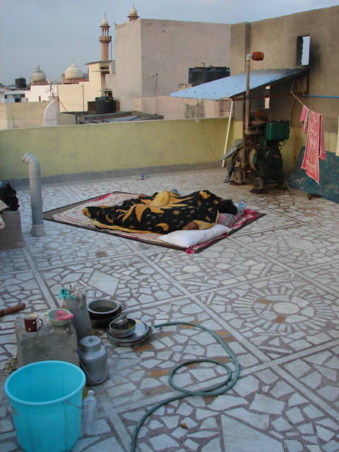 Sleeping on Roof to Stay Cool in Middle East