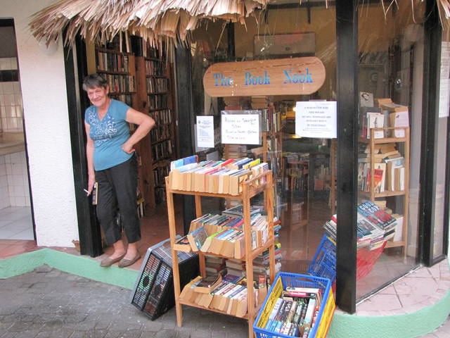 Expat Bookstores That Sells Used Books in English is a Sign of Good Live Abroad City