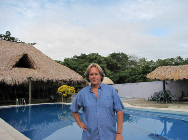 Hotel La Fonda Escondida in Rio Dulce, Guatemala, or Fronteras I got a room for 2000 Q per month, with WIFI title=