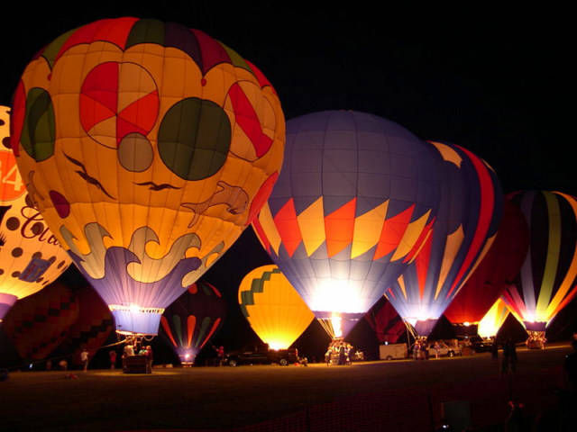 Colorful Balloon aircraft at it's best during night time.