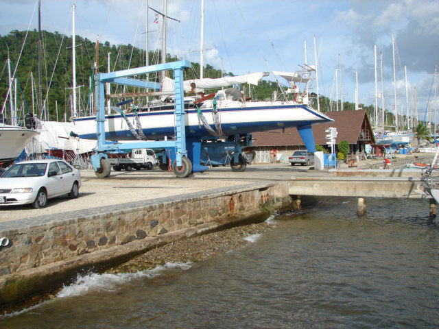 Boat cable lifting to the parking area.